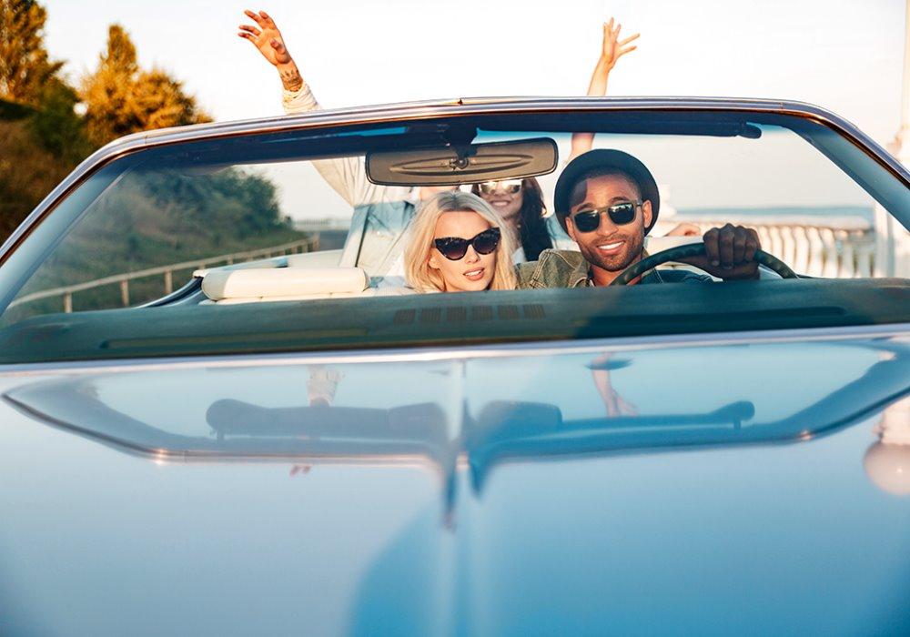 Come affrontare un lungo viaggio in macchina Mini guida a un lungo viaggio