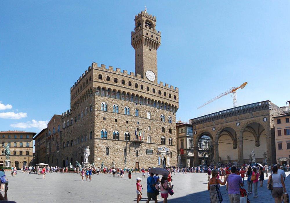 Tutto quello che dovete sapere su Piazza della Signoria a Firenze Capolavoro di eleganza